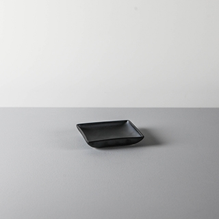 SQUARE DISH _ 01 _ BLACK