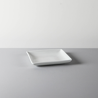 SQUARE DISH _ 02 _ WHITE